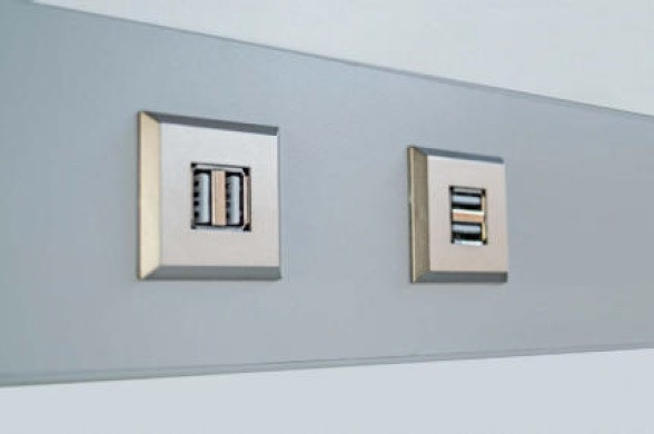 USB Doppelsteckdose 12 V max 1x2,1A, 2x 1,05A 1,8 m Zuleitung Edelstahl