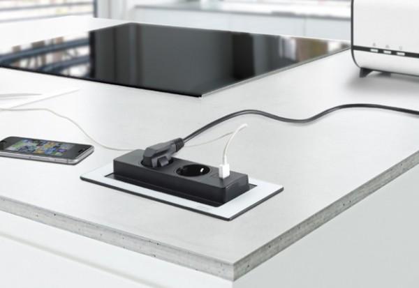 EVOline Backflip mit 2 Steckdosen und USB Changer, Netzanschl. 2,5m,