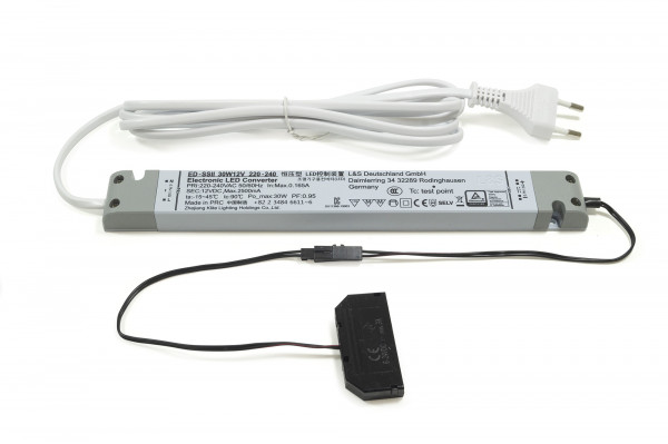 LED Konverter 230V/12V 30 W 16 mm 6-fach Verteiler 2 m. Zuleitung
