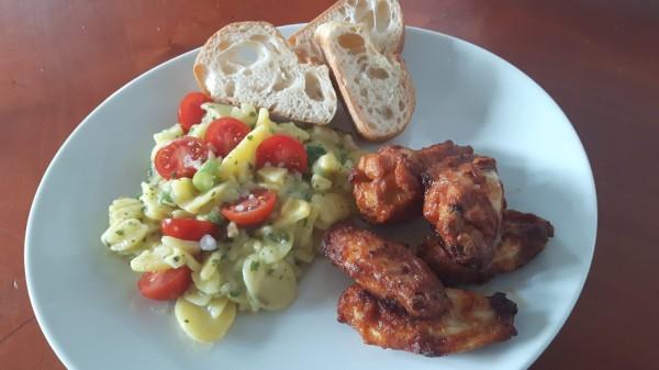 Kartoffelsalat-mit-Chicken-Wings-2